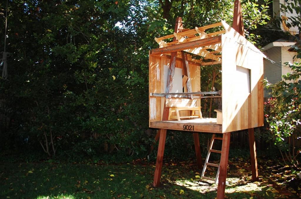 Treeless treehouse jason a silva architect for Treeless treehouse